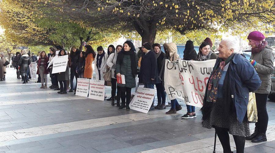 Սահմանափակ պաշտպանություն և օգնություն ընտանեկան բռնություն վերապրածների համար․ HRW զեկույց